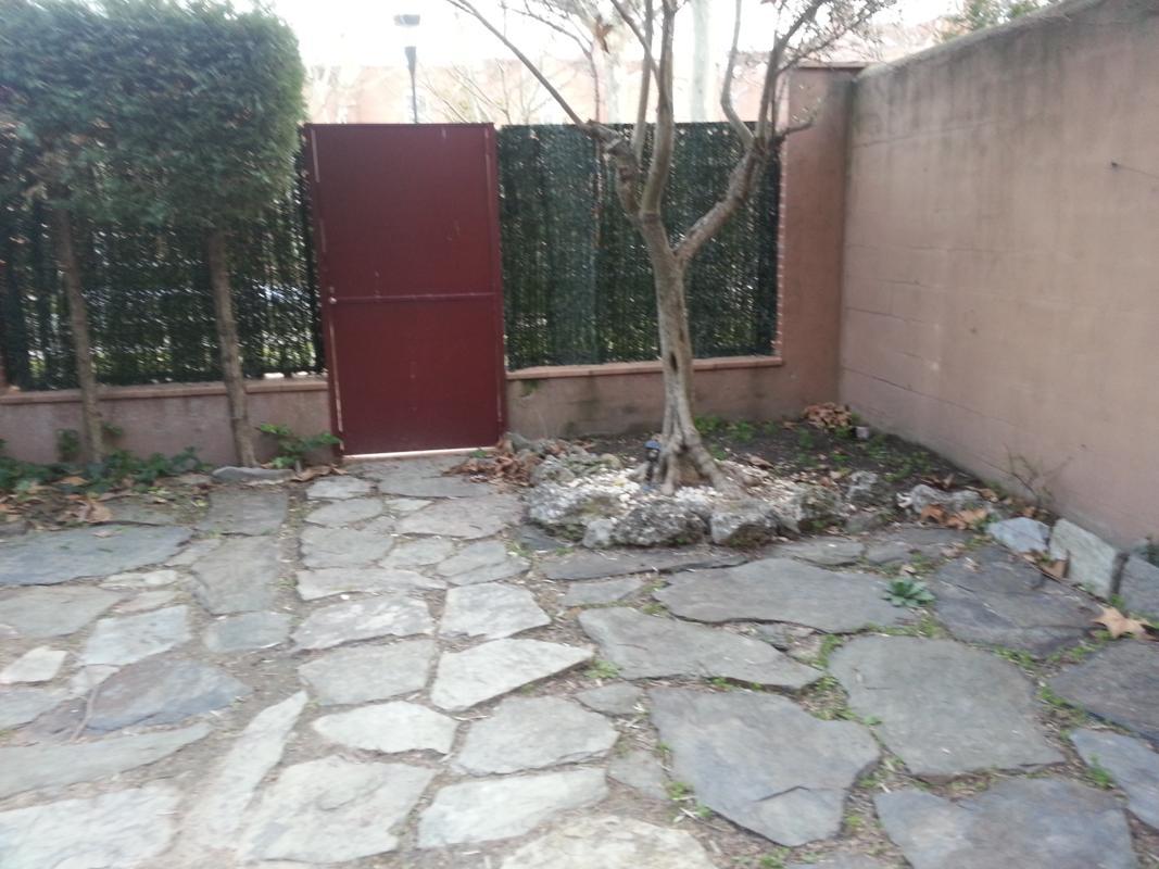 El antes y despu s de un peque o jard n jardines con alma for Como hacer un jardin rustico