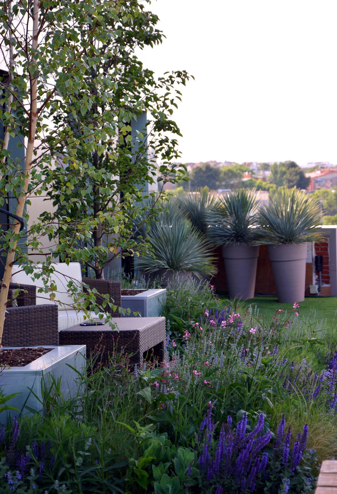 Una terraza un oasis la magia de la decoraci n for Decoracion jardin granada